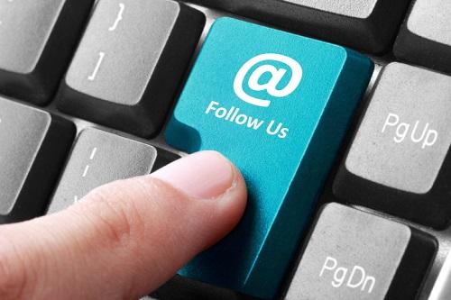 //cdn2.hubspot.net/hub/32387/file-1208881876-jpg/images/follow_us_linkedin_social_media_marketing.jpg
