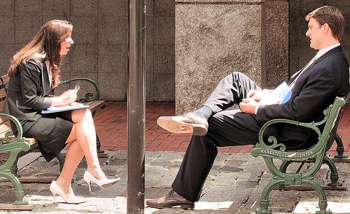 //cdn2.hubspot.net/hub/32387/file-13742561-jpg/images/b2b-inbound-marketing-sales-pitch.jpg