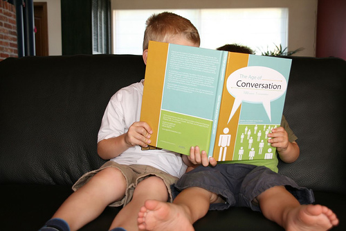 //cdn2.hubspot.net/hub/32387/file-13745182-jpg/images/buyer-persona-wisdom-starts-with-a-conversation.jpg