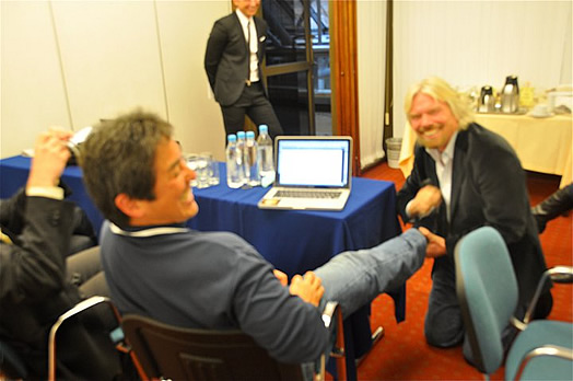 //cdn2.hubspot.net/hub/32387/file-13753069-jpg/images/guy-kawasaki-and-richard-branson-influencers.jpg