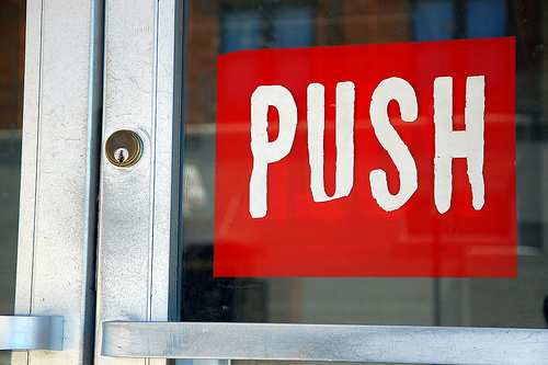 //cdn2.hubspot.net/hub/32387/file-13867887-jpg/images/middle-of-the-funnel-push.jpg