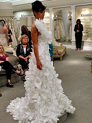 //cdn2.hubspot.net/hub/32387/file-237693530-jpg/images/say-yes-to-the-dress-bride.jpg
