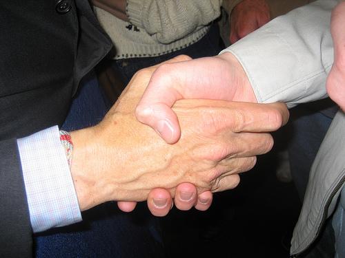 //cdn2.hubspot.net/hub/32387/file-24022256-jpg/images/blogger-outreach-best-practices.jpg
