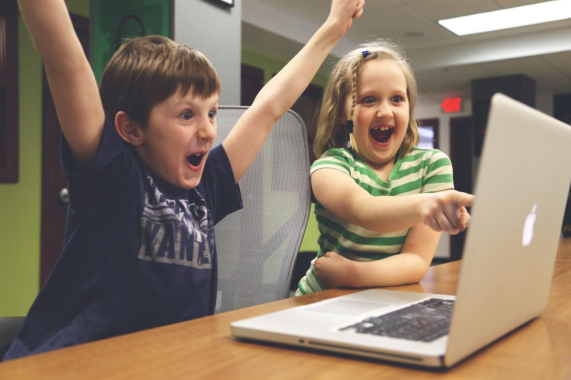 http://cdn2.hubspot.net/hubfs/32387/online-advertising.jpg