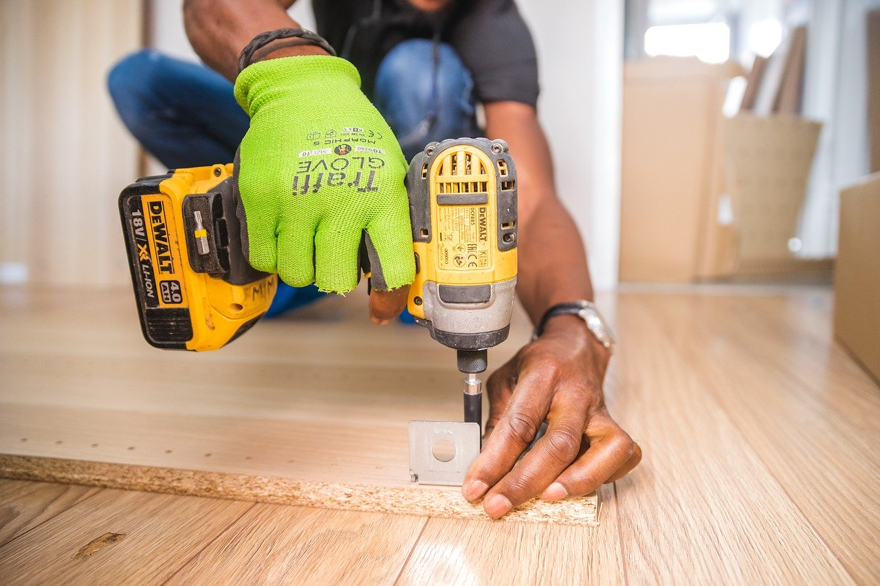 Teaching Social Media: 5 Tips to Get Tradesmen Involved